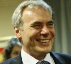 Емил Генов